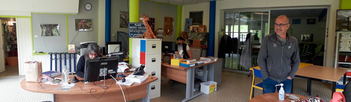 Fred et son nouveau bureau